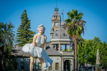 Giant Marilyn Monroe at Bendigo