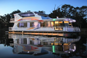 All Seasons Houseboats Sapphire Luxury